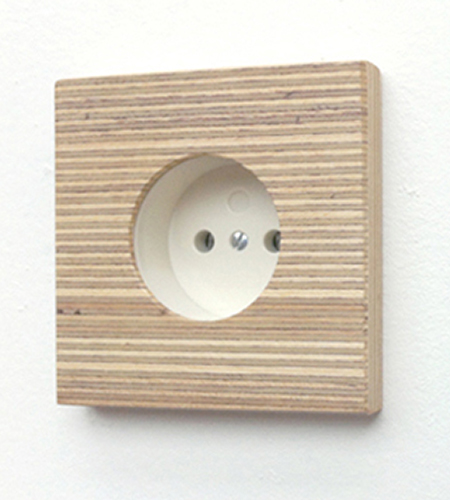 <p>Plexwood® Suited Products minimalistic wall wooden wall plug cover of engineered micro-edge end ply meranti