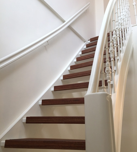 Plexwood® dark brown wood staircase renovation