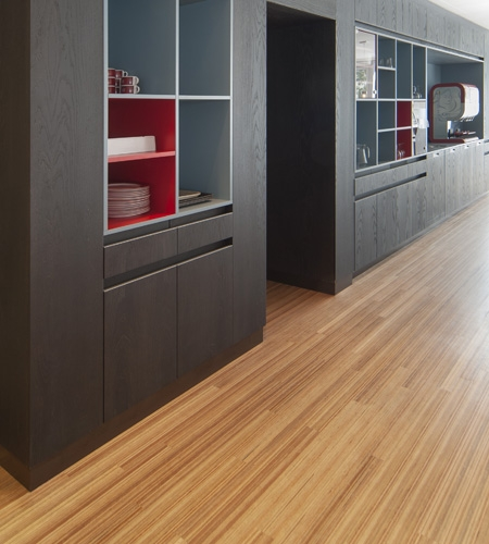 Plexwood® Avondzon detail of a cross laminated clt, lvl, svl type of surface wood flooring in meranti
