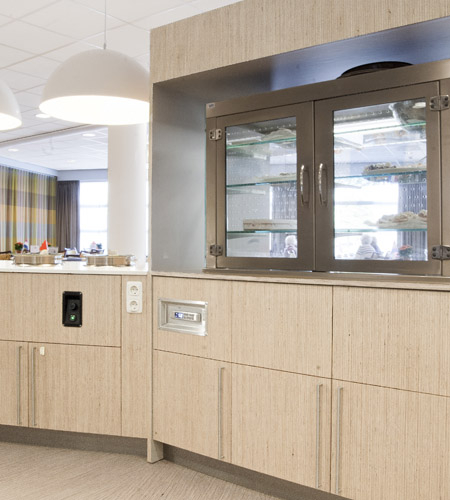 Plexwood® De Meeuwbeemd Elderly Care Home canteen counter from deal multiple layered composite veneers