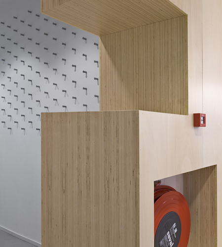 Plexwood® Rotterdam Entrepreneurs' House emergency safety wall with cladding of poplar edge-ply surface veneer