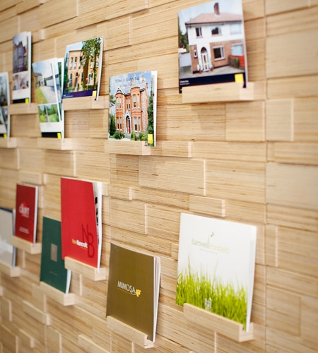Plexwood® Savills HQ brochure wall detail in engineered micro-edge grain plywood veneer
