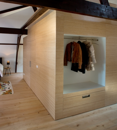Plexwood® Villa Polder residential home central unit wardrobe and drawer in pine/ocoumé edge-glued plywood