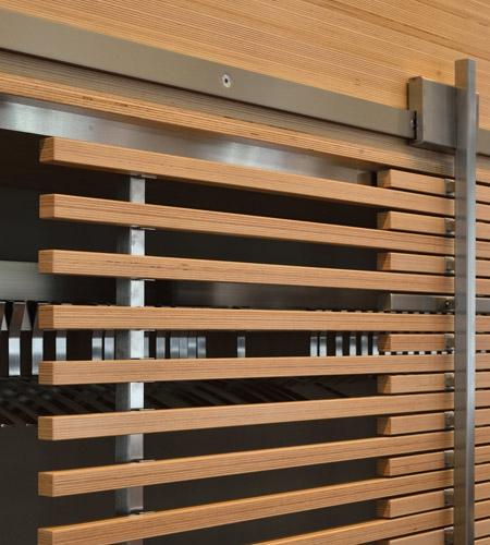 Plexwood® WBG Erfurt, características portas de correr semitransparentes em painéis sandwich laminados de compósitos de faia folheada