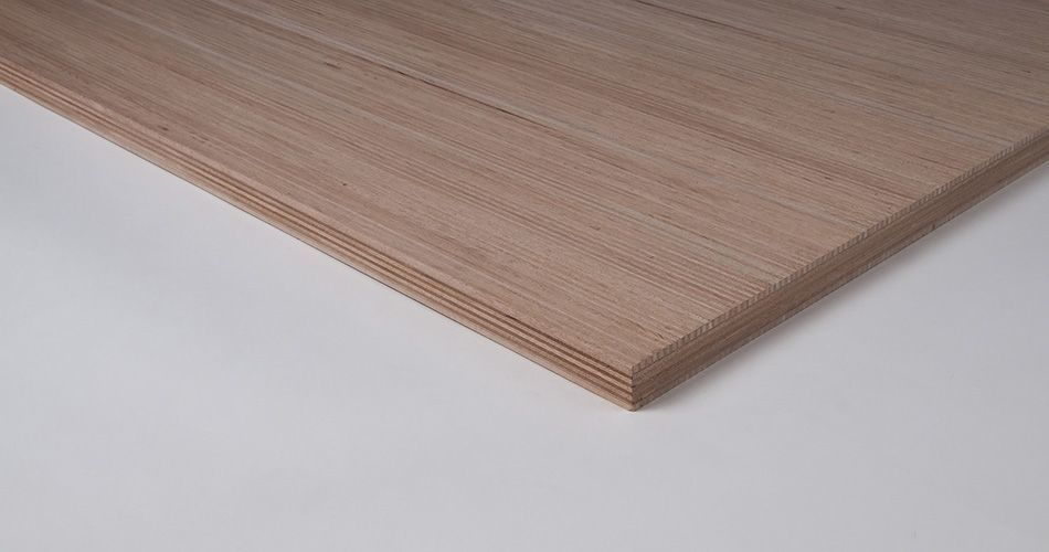 Plexwood® Characteristics of cross-glued composite plywood decking veneer on two sides of a substrate
