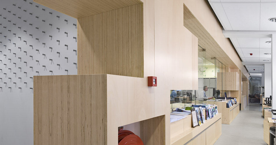 Plexwood® Rotterdam Entrepreneurs' House integrated divider wall storage element in poplar veneer of plywood edges