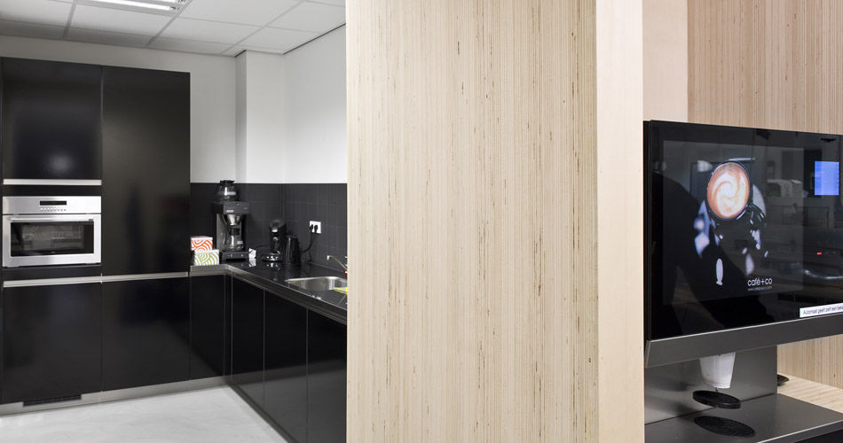Plexwood® Rotterdam Entrepreneurs' House kitchen wall detail with poplar top-glued veneer end plywood