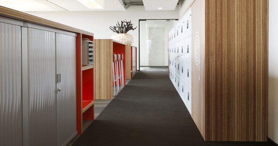 Plexwood® Rutges kantoor tafels en kast van meranti tegengesteld verlijmd en geperst multiplex