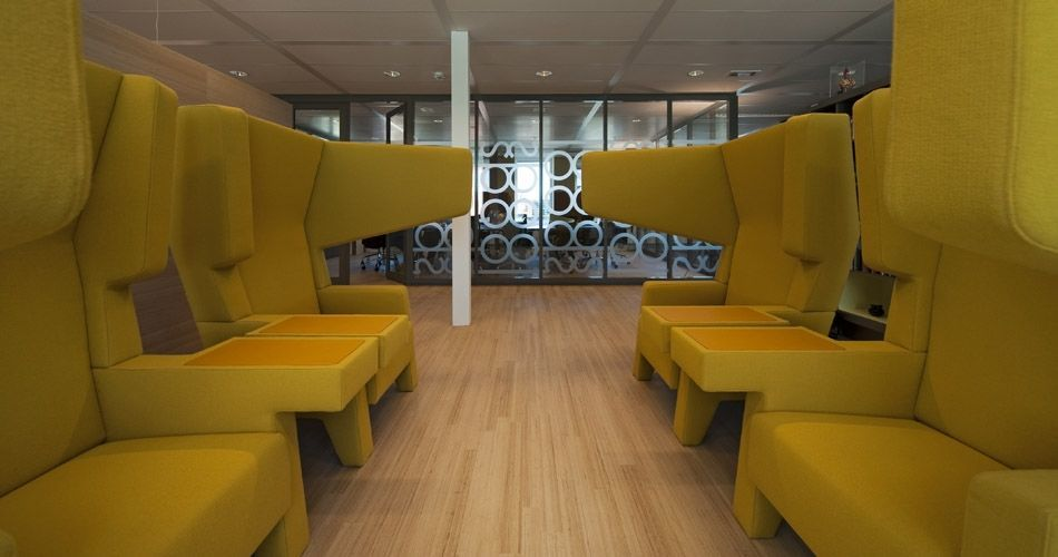 Plexwood® Tax Office and Border Security Port of Rotterdam office lounge with beech turned-around plywood strip floor