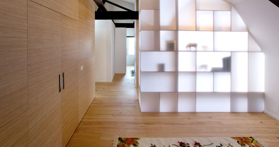 Plexwood® Villa Polder private home interior with central divider unit with door and wall in end-grain pine-ocoumé