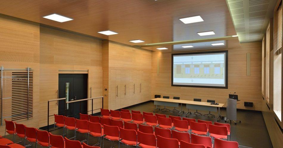 Plexwood® WBG Einheit Erfurt, arquitetura de interiores conceptual com produtos de contraplacado folheado recolado de faia ecológica