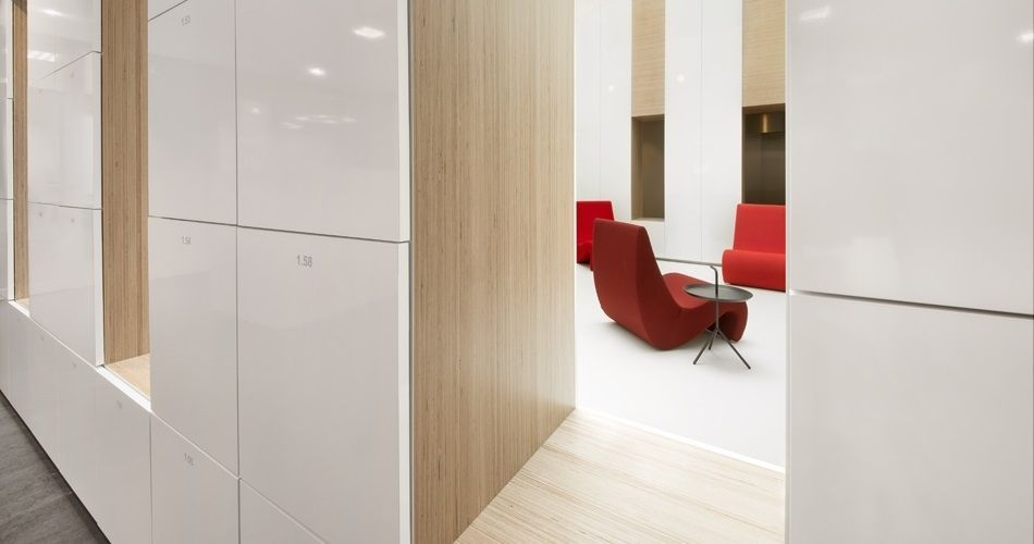 Plexwood® City hall of Montferland Didam open space with sitting nooks and cabinets in birch plywood